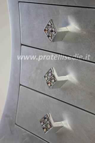 ... con maniglie swarovski finitura foglia argento con maniglie swarovski